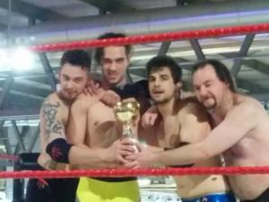 Nella foto, in alto: Nadir torna sul ring da vincente