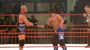 Nella foto, in alto: filippo ha il privilegio di arbitrare wrestlers famos come Aj Styles e Christopher Daniels