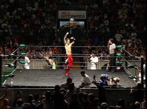 Nella foto, in alto: Red Devilin uno show del 2005 davanti ad undicimila persone