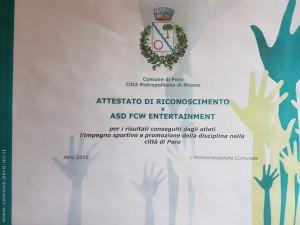 Nella foto, in alto: Con gli elogi del sindaco di Pero