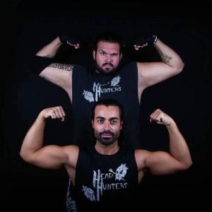 """Nella foto, in alto: The Entertrainer e Kronos formano il tag team """"Headhunters"""""""