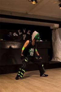 Nella foto, in alto: la entry di Backslash con la maschera antigas