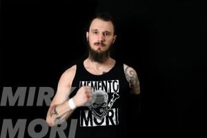 Nella foto, in alto: Mirko Mori che una volta era Mark Fit, che però si chiama Mirco Moreschi, che fa parte dei BBB che poi significa Brixia Bone Breakers
