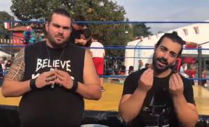 """Nella foto, in alto: The Entertrainer e Kronos nel loro video comico """"Una vita sul ring"""""""
