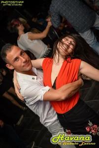 Nella foto, in alto: la danza caraibica è espressione di gioia e vitalità