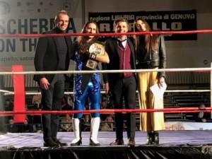 Nella foto, in alto: Sami Grayson con il sindaco Bagnasco, l'assessore allo sport Vittorio Pellerano e la bella presentatrice Elisa