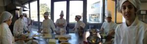 Nella foto, in alto: Emiliano a scuola di cucina