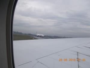 Nella foto, in alto: brutto tempo ad Addis Abeba