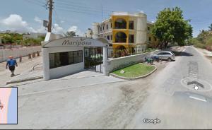 Nella foto, in alto: eccoci al resort Mariposa
