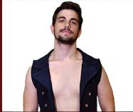 Nella foto, in alto: Gabriel Bach, il viso pulito del wrestling