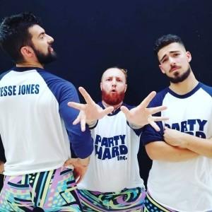 Nella foto, in alto: i Party Hard Inc