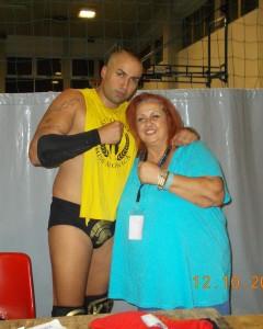Nella foto, in alto: la nnostra Erika Corvo con l'adorabile Karim Brigante