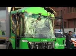 il camion della nettezza urbana coinvolto