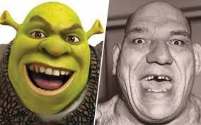 Nella foto, in alto: il vero volto di Shrek, Murice Tillet